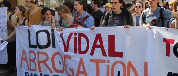 Manifestation à Paris le 19 mars 2018 contre la loi Vidal