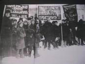 L'opposition trotskiste se bat jusque dans les camps du goulag comme le montre le document ci-dessous : une manifestation trotskiste de prisonniers des camps staliniens contre les bureaucrates et les koulaks