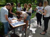 Des étudiants du comité de mobilisation contre la privatisation à Nanterre pendant la campagne contre la hausse des frais d'inscription