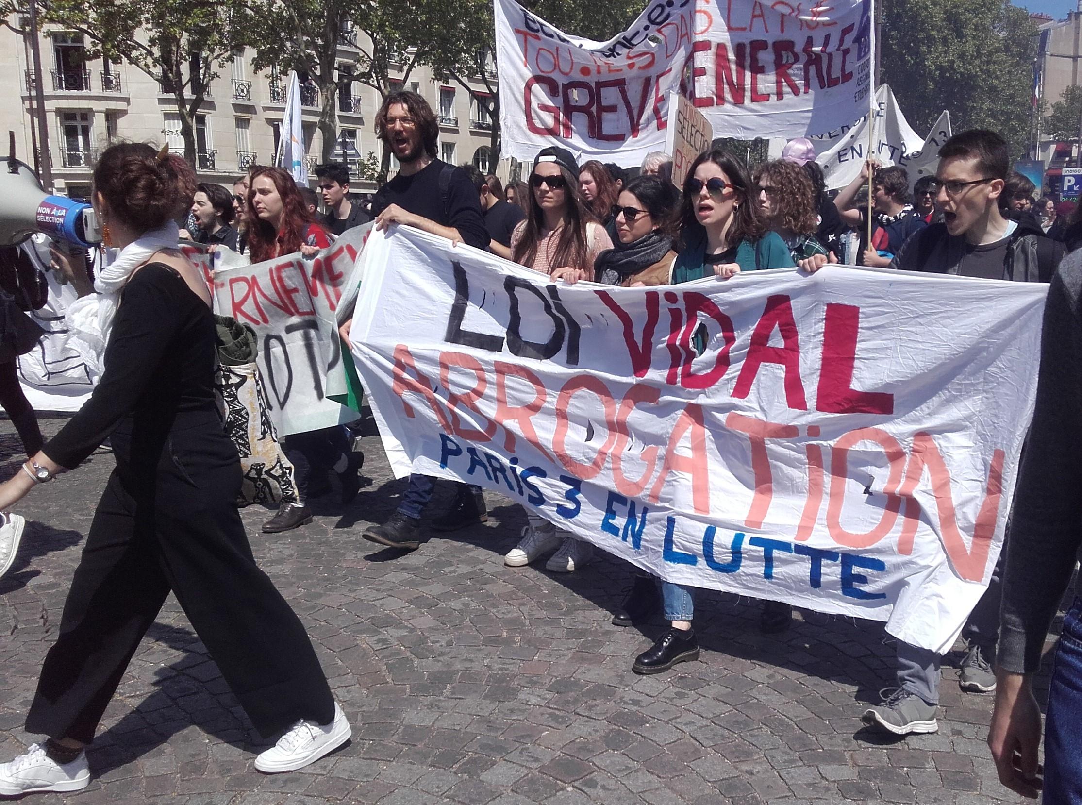 La mobilisation contre la loi Vidal à un tournant
