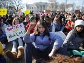 manifestation de la jeunesse américaine contre les armes