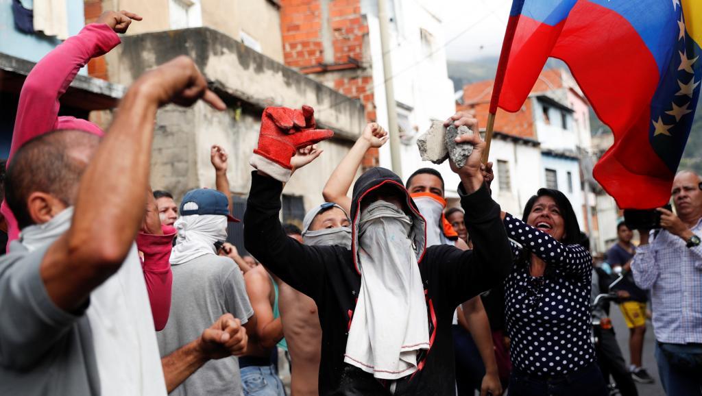Venezuela : Non à l'intervention de Trump. Rejetons le gouvernement autoproclamé de Guaidó. Aucun soutien au gouvernement militaire de Maduro