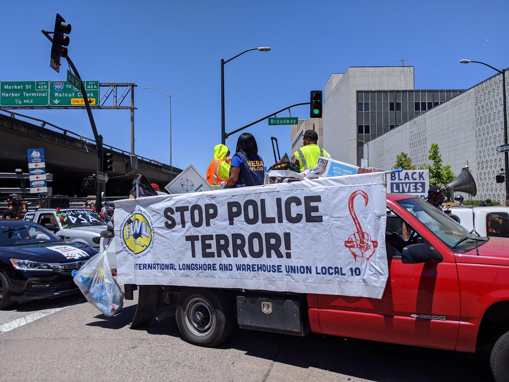 Etats-Unis : Grève historique des dokers, ouvriers et employés des ports