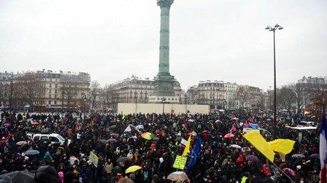 16/01, Paris, une manifestation  déterminée contre la loi sécurité globale. (Photos)